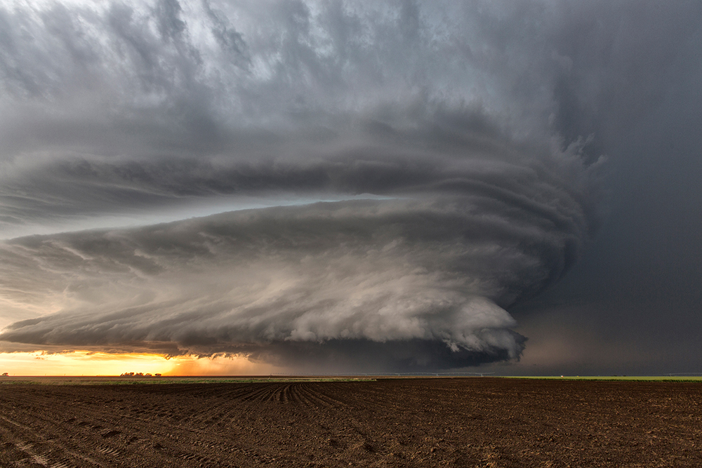 a beautiful supercell near Leoti, Kansas
